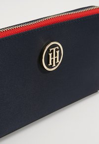 Tommy Hilfiger - POPPY WALLET - Wallet - blue - 2