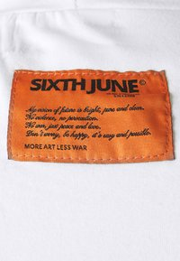 Sixth June - HIGH NECK TEE - T-shirt con stampa - white - 5
