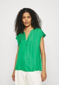 Banana Republic - ESSENTIAL - T-shirt print - hula green - 0