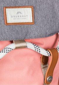 Doughnut - Rucksack - light pink x pumpkin - 6