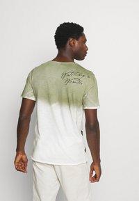 Key Largo - PROJECT ROUND - T-shirt print - khaki - 2