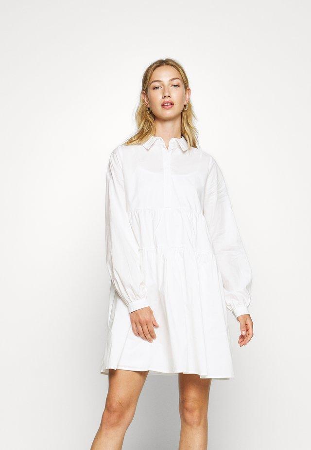 NMJULIE SHIRT POPLIN DRESS - Košilové šaty - bright white