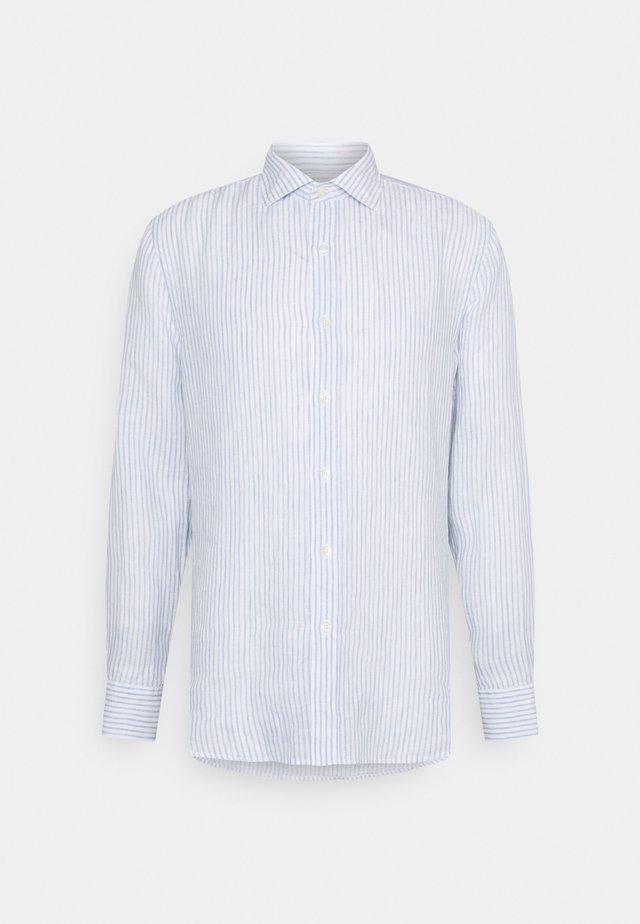 SHIRT SLIM FIT - Skjorta - white
