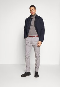 INDICODE JEANS - GOVER - Chinot - light grey - 1