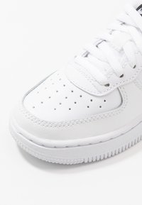 Nike Sportswear - FORCE 1 AN20 - Matalavartiset tennarit - white/black