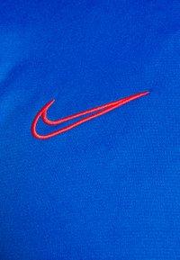 Nike Performance - DRY ACADEMY - Print T-shirt - soar/obsidian/laser crimson - 5
