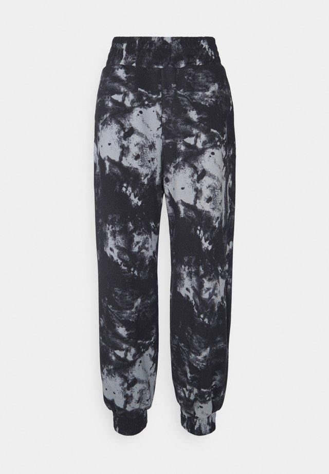 OVERSIZED HIGH RISE - Træningsbukser - black/grey