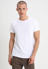Samsøe Samsøe - KRONOS  - Basic T-shirt - white - 0