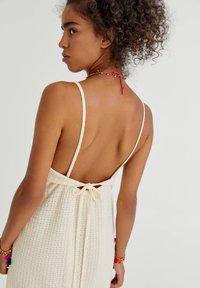 PULL&BEAR - Denní šaty - mottled beige - 3
