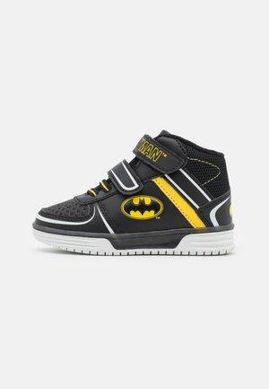 BATMAN - High-top trainers - black