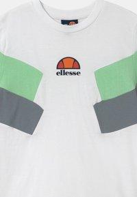 Ellesse - JONARO - T-shirt con stampa - white - 2