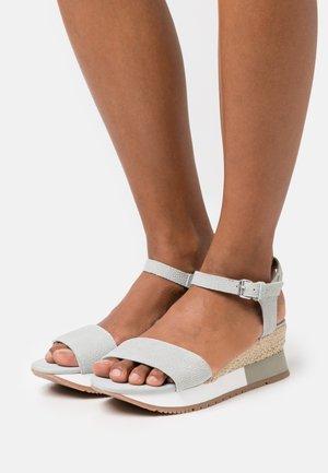 SARCHI - Platform sandals - azul
