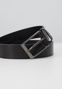 Tommy Hilfiger - LAYTON PEBBLE - Belt - black - 2
