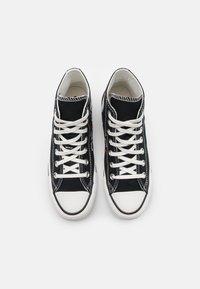 Converse - CHUCK TAYLOR ALL STAR UNISEX - Baskets montantes - black/vintage white/egret - 3