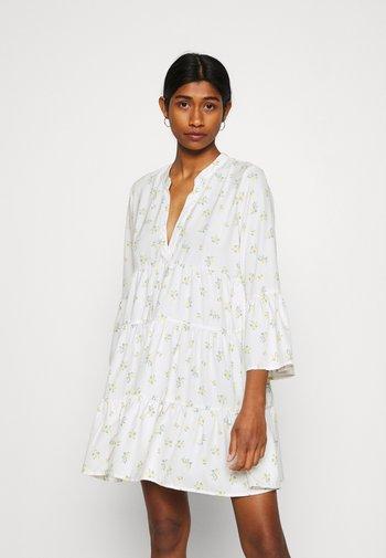 ONLATHENA 3/4 DRESS - Vestido informal - white