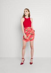 Never Fully Dressed - GRAPEFRUIT JASPRE - Wrap skirt - red/green/orange - 1
