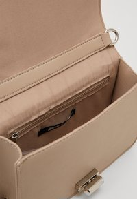 Gina Tricot - JENNI BAG NEW JENNIFER - Across body bag - beige - 3