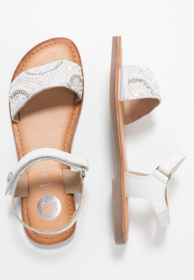 ASHTON - Sandaler - white