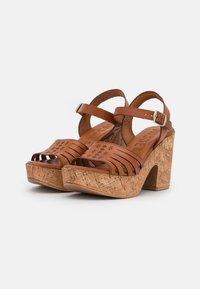 Musse & Cloud - KATYA - Sandály na platformě - brown - 1