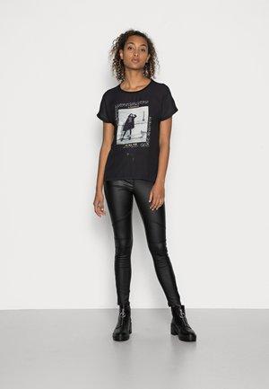 ONLBLAIR  MIX   - Print T-shirt - black