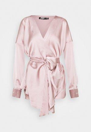 PLUNGE TIE WAIST BLOUSE - Blouse - dusty pink