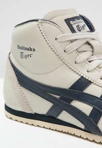 Onitsuka Tiger - MEXICO MID RUNNER UNISEX - High-top trainers - birch/indian ink - 5