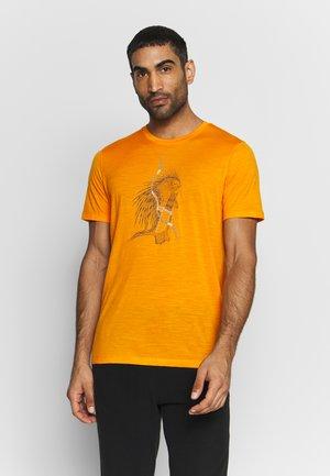 TECH LITE CREWE QUILL - T-shirt imprimé - sun
