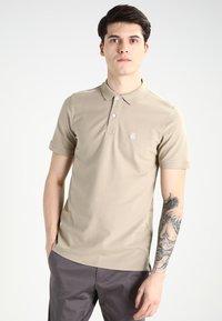 Selected Homme - SLHARO EMBROIDERY - Polo shirt - crockery - 0