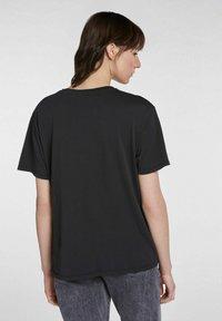 SET - Print T-shirt - black - 2