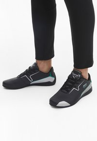 Puma - DRIFT CAT 8 RUNNING SHOES MALE - Sneakers laag - black-silver - 1