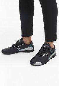 Puma - DRIFT CAT 8 RUNNING SHOES MALE - Sneaker low - black-silver - 1