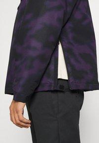 Carhartt WIP - NIMBUS PULLOVER - Light jacket - purple - 5