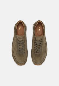 Clarks - CRAFTRUN LACE - Sneakers basse - olive combi - 3