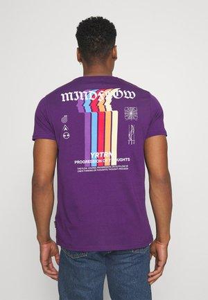 UNISEX - Print T-shirt - purple