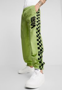 Vans - BMX OFF THE WALL PANT - Tracksuit bottoms - sharp green - 3