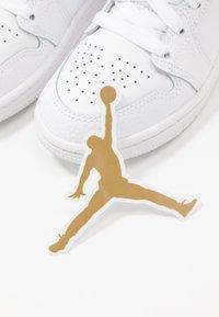 Jordan - Basketbalové boty - white - 6