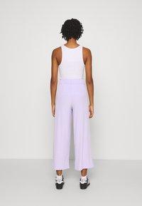 Monki - Kalhoty - lilac - 2