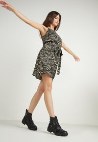 Tezenis - Day dress - st.military animalier - 1