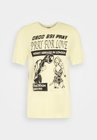 PRAY - BRASS UNISEX - Printtipaita - yellow - 3