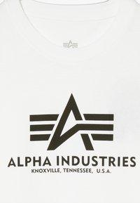 Alpha Industries - BASIC - T-shirts med print - white - 3