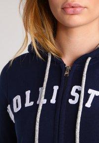 Hollister Co. - CORE - Zip-up hoodie - navy - 3