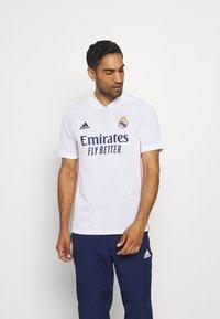 adidas Performance - REAL MADRID AEROREADY SPORTS FOOTBALL - Vereinsmannschaften - white - 0