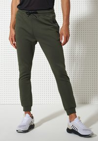 Superdry - TRAINING GYMTECH - Tracksuit bottoms - army khaki - 0