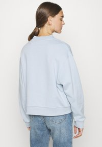 Weekday - AMAZE  - Sweatshirt - light blue - 2