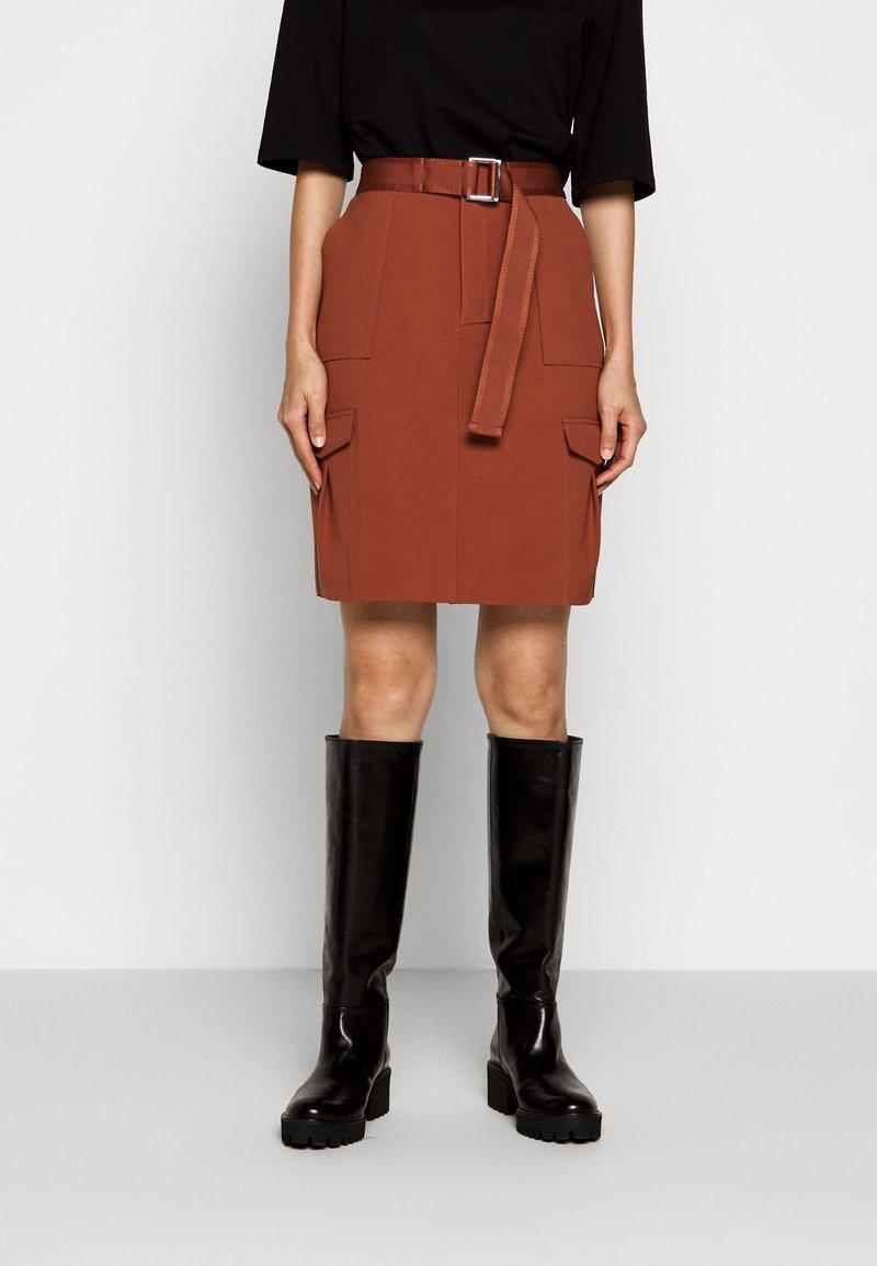 Holzweiler - STRANDA SKIRT - Pouzdrová sukně - terracotta