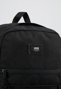 Vans - SNAG PLUS  - Reppu - black - 7