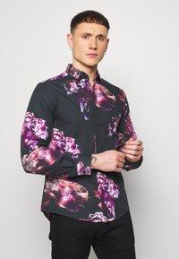Twisted Tailor - CAVANAGH SHIRT - Camisa - black - 0