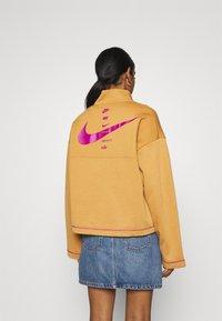 Nike Sportswear - Sweatshirt - flax/cactus flower - 2