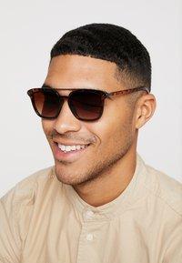 YOURTURN - Sunglasses - brown - 1