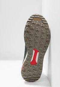 adidas Performance - TERREX FREE HIKER - Hikingsko - core black/grey six/night cargo - 4